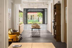 thiết kế cải tạo văn phòng phẩm phong cách tối giản